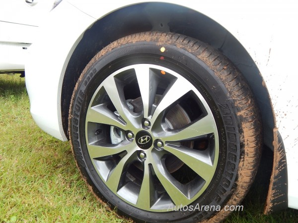 2013 Hyundai Verna alloy wheel