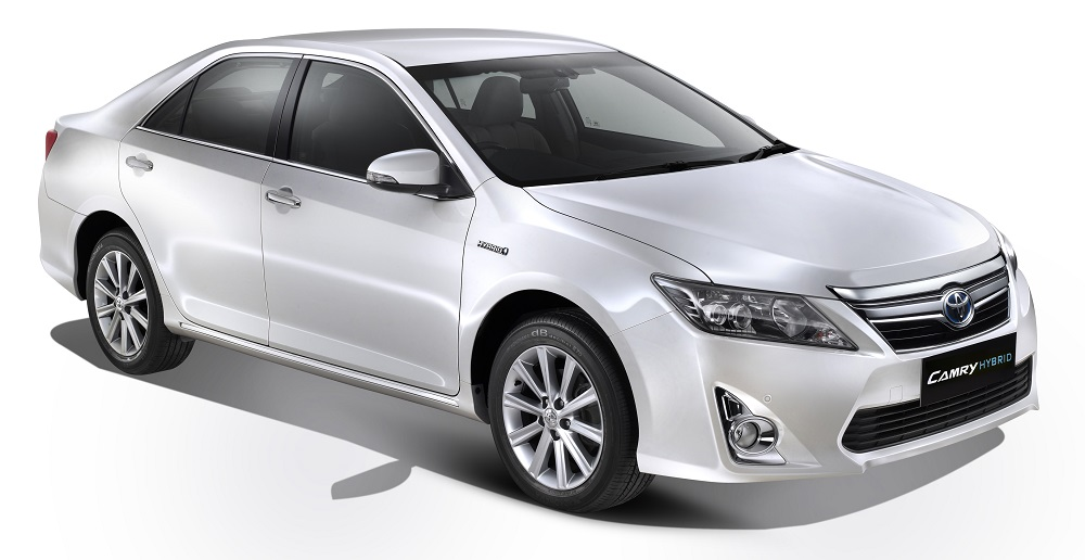 toyota camry hybrid launched rs lakhs only. Black Bedroom Furniture Sets. Home Design Ideas