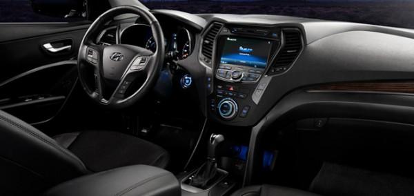 2013-Hyundai-Santa-FE-interiors