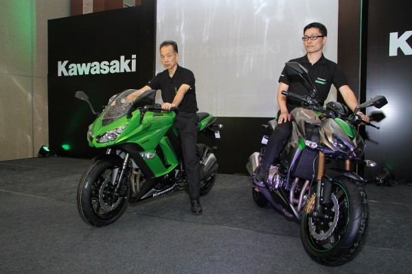 Yuji Horiuchi, Managing Director (L) and Shigeto Nishikawa, Deputy Managing Director (R)- India Kawasaki Motors Pvt Ltd launching Ninja 1000 (L)& Z1000 (R)