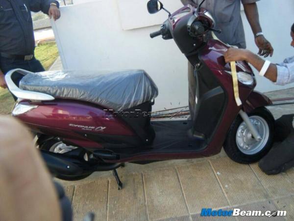 2014-Yamaha-Alpha-Scooter