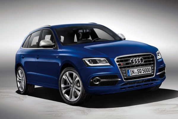 Audi SQ5 showcase at Auto Expo