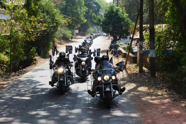 H.O.G members roaring in the streets of Goa at 2nd India H.O.G. Rally (1)