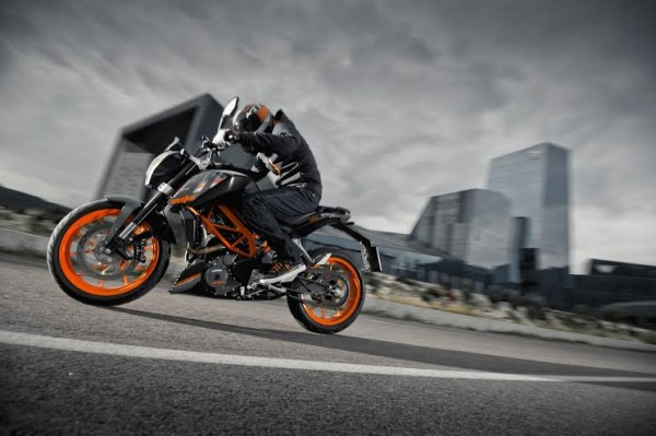 KTM Duke 390 Midnight Black