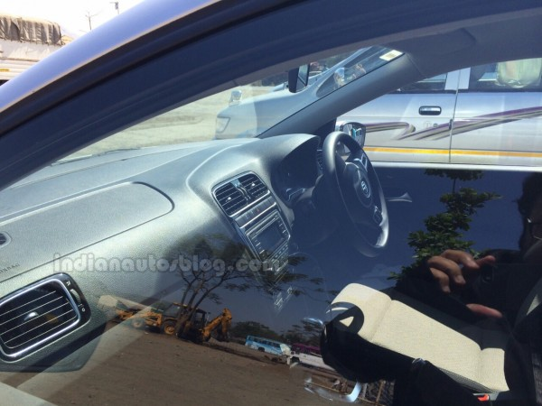 2014-VW-Polo-facelift-spied-India-interior