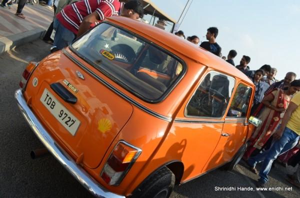 Mini 1000 cooper orange rear side