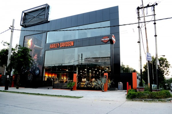 Harley Davidson Street  Dealer In Delhi