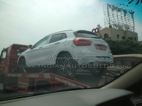 Mercedes-GLA-spied-in-India-rear-quarter