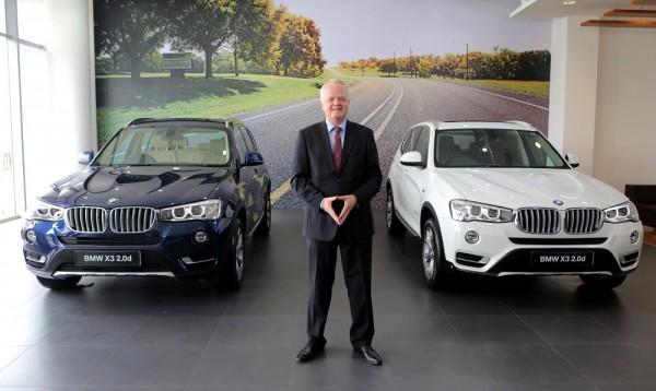 04c Mr. Philipp von Sahr, President, BMW Group India with the new BMW X3