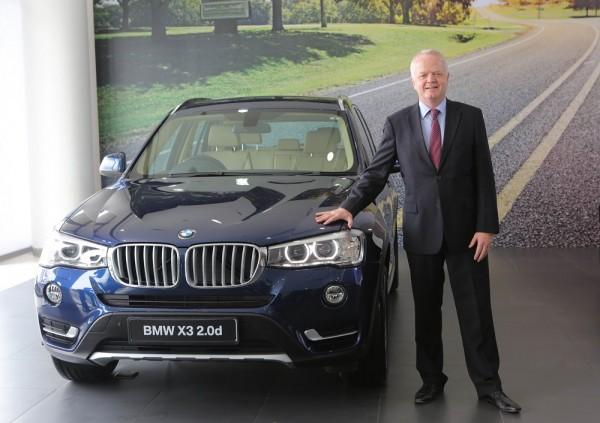04d Mr. Philipp von Sahr, President, BMW Group India with the new BMW X3