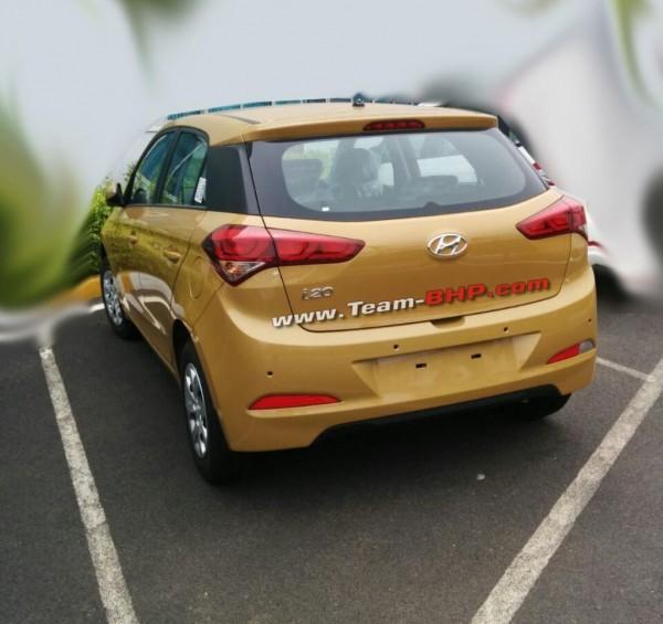Gen Hyundai i20 spied rear