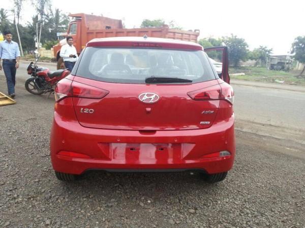 New i20 Red rear