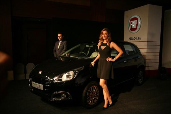 From-LtoR-Mr-Nagesh-Basavanhalli-MD-President-Fiat-Chrysler-India-Operations