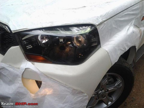 New-Mahindra-Scorpio-revealed-headlight
