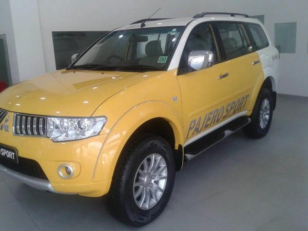 Dual tone Pajero Sport 1