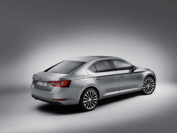 The New SKODA Superb (2)
