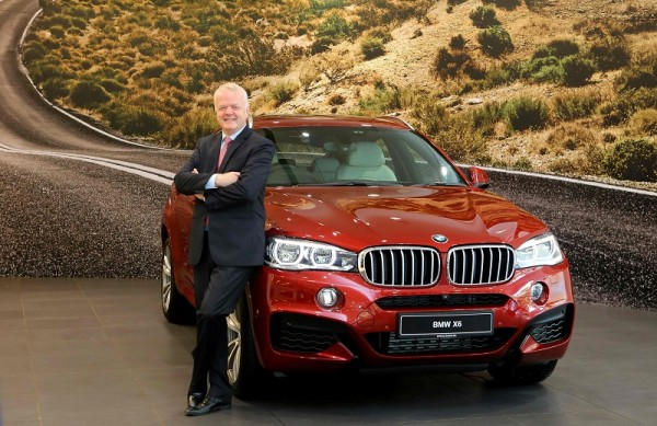 Mr. Philipp von Sahr, President, BMW India with the all-new BMW X6 (2)
