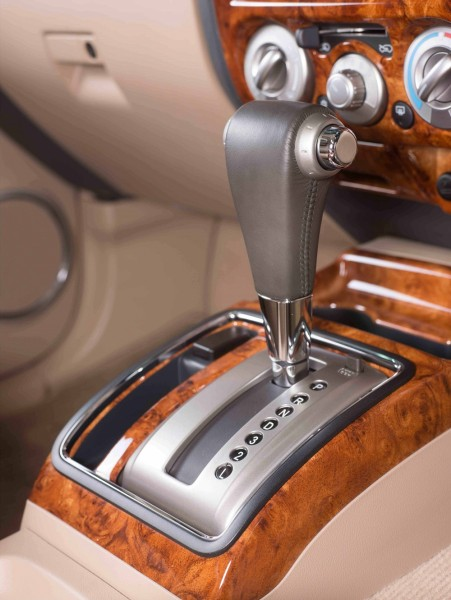 The-new-AT-with-glossy-lacquar-wood-trim