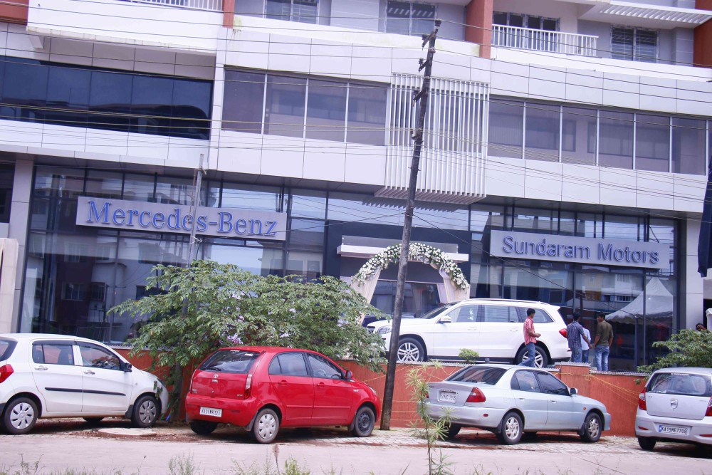 Mercedes-Benz-Sundaram-Motors-new-dealership-launched-in-Mangalore-today-e1439227520257