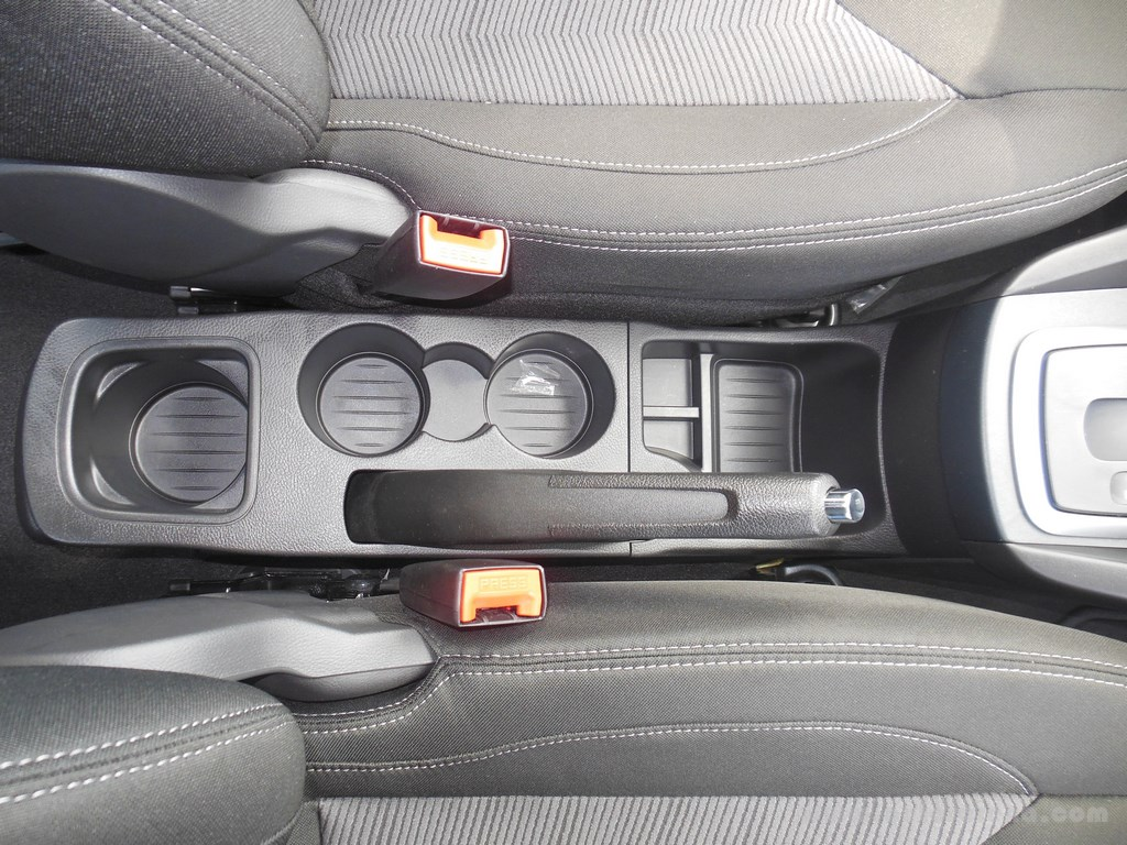 Ford Figo Hatchback (33)