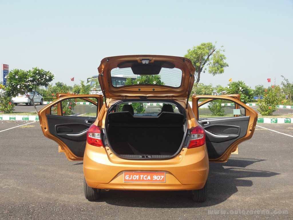 Ford Figo Hatchback (43)
