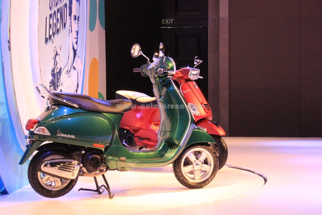 Vespa launches Vespa SLX 150 & Vespa VLX 150, first