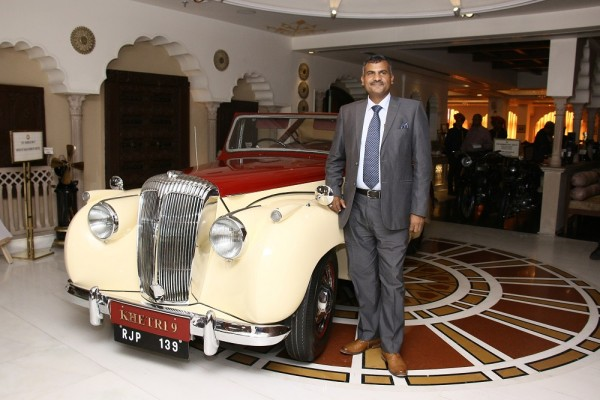 Mr. Madan Mohan, Founder, 21 Gun Salute with newly restored vintage Car- 1952 Daimler DB18 Drophead Coupe_1