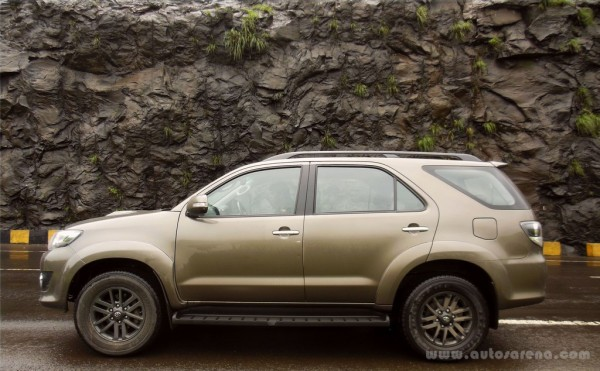 Toyota Fortuner 4x4 Automatic review (1)