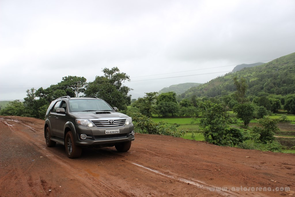 toyota fortuner 4x4 automatic review (19)
