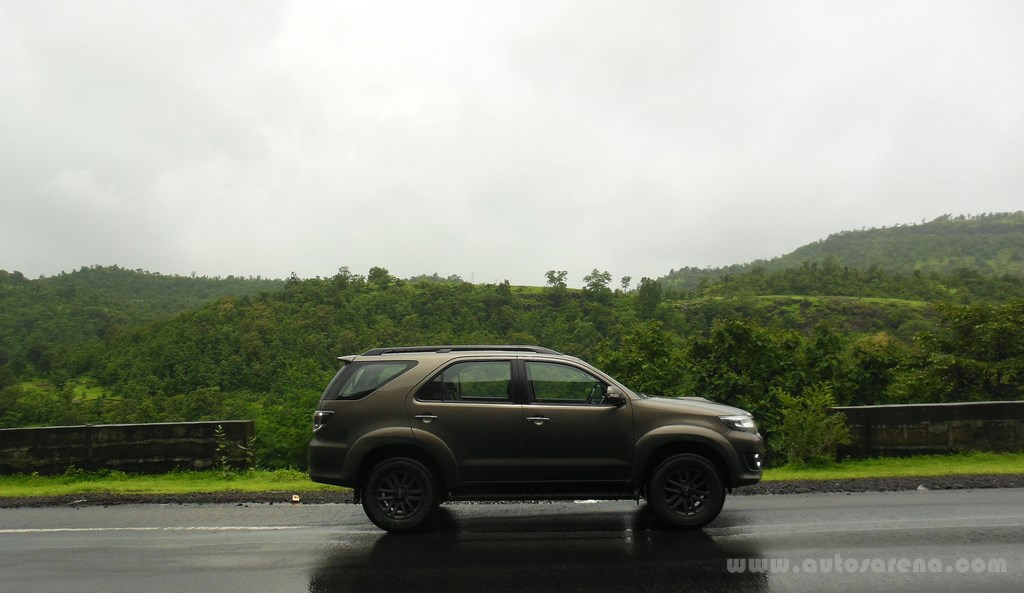 Toyota Fortuner 4×4 Automatic review (2)