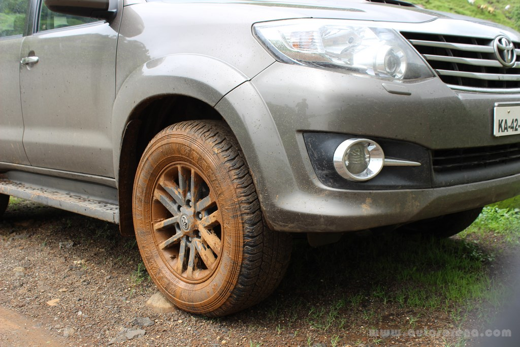 Toyota Fortuner 4x4 Automatic review (27) -