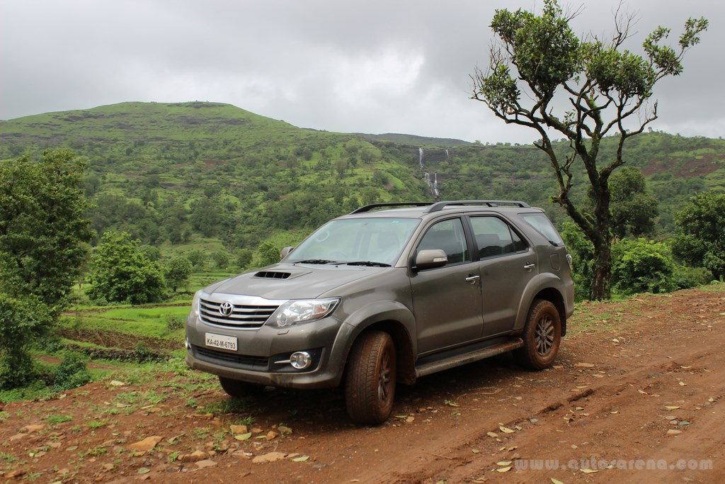 Toyota Fortuner 4x4 Automatic review (28) -