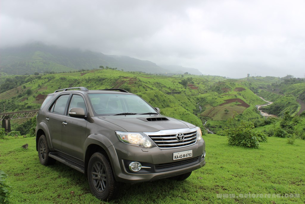 Toyota Fortuner 4x4 Automatic review (6) -