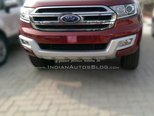 2016-Ford-Endeavour-front-snapped-at-an-Indian-dealership-1024x768