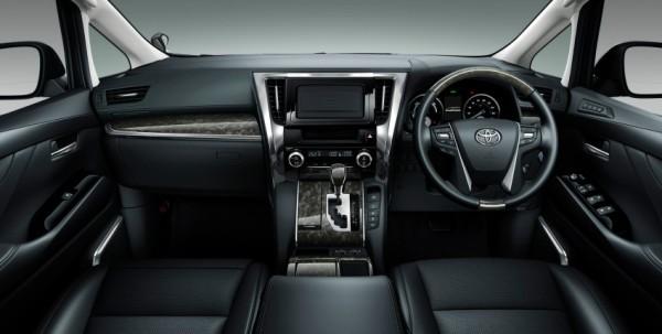 2015-Toyota-Vellfire dashboard