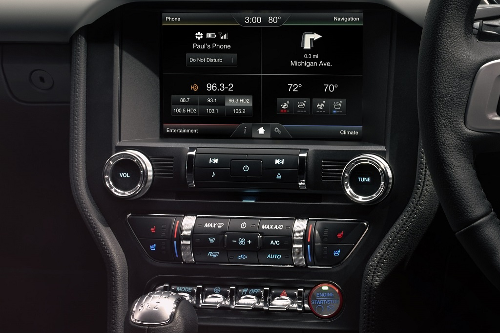 New Ford Mustang Centre console