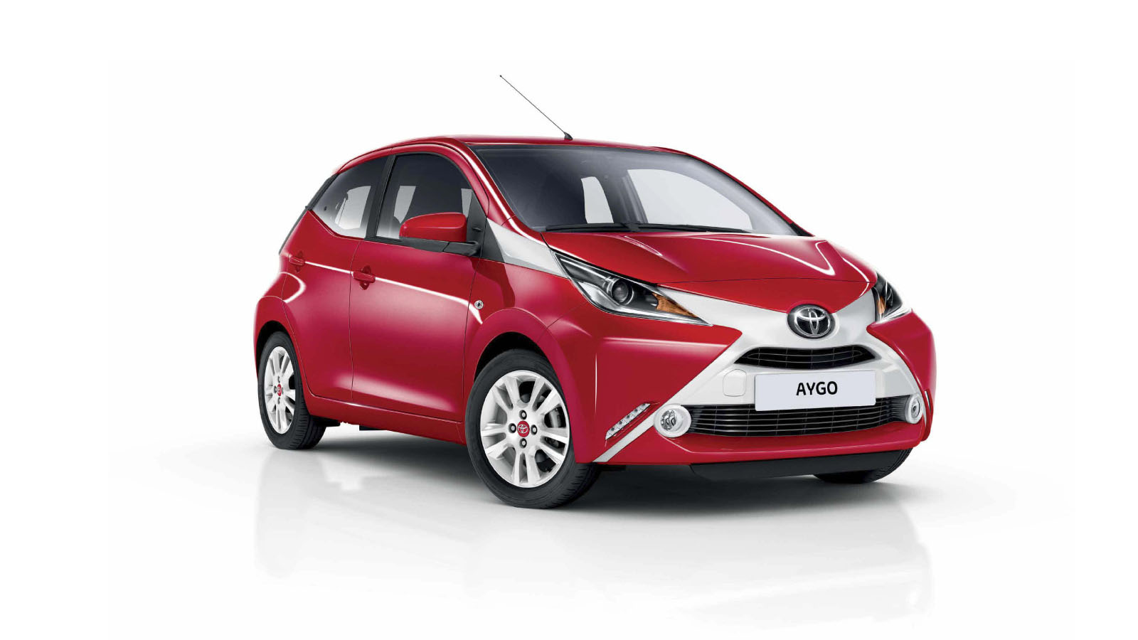 toyota aygo to be showcased at auto expo no plans for. Black Bedroom Furniture Sets. Home Design Ideas