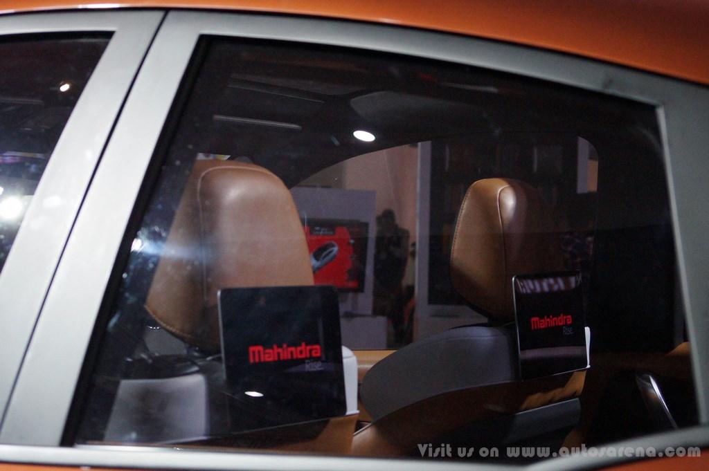 Mahindra XUV Aero Concept Interiors (14)
