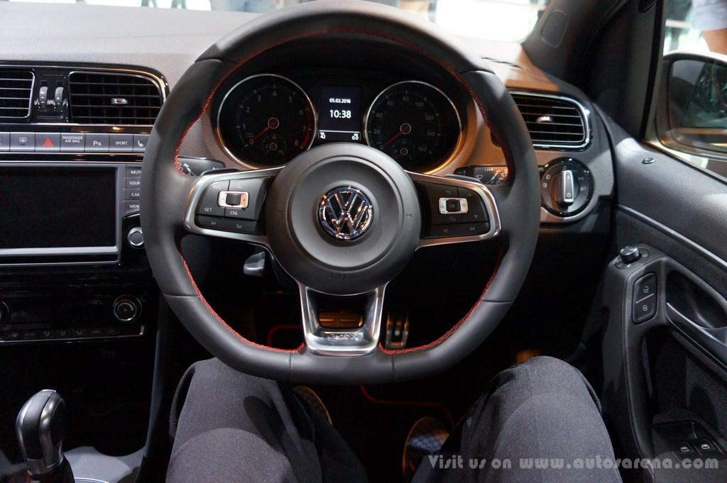 Volkswagen 7 seater suv photos interior autos post for Polo 6 interieur