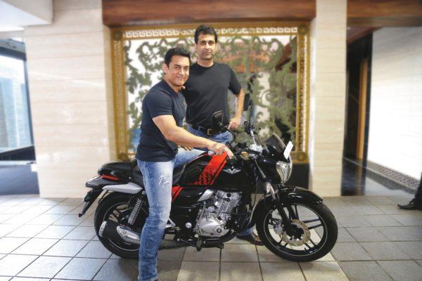 Aamir Khan buys his new bike - Bajaj V (4)