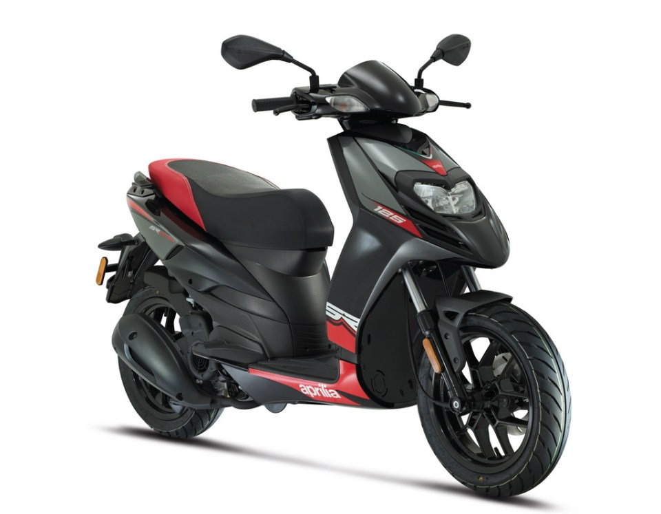 aprilia sr 150 crossover scooter launch on 22nd august. Black Bedroom Furniture Sets. Home Design Ideas