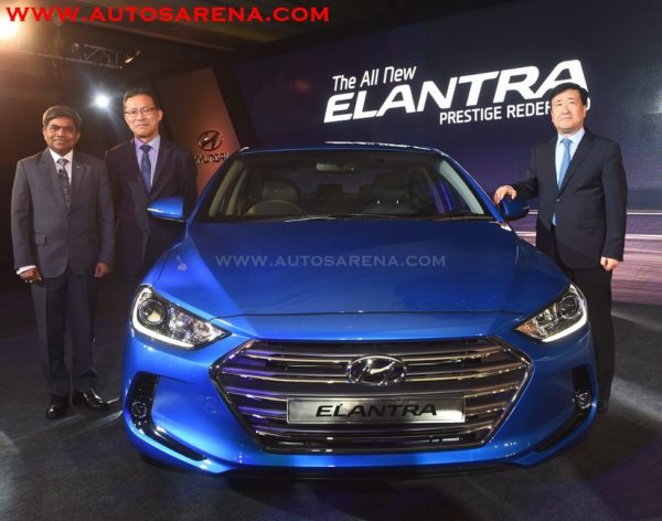 Mr.-Y.K.-Koo-MD-CEO-Hyundai-Motor-India-Ltd-Mr.-B.S.-Jeong-Director-–-Sales-Marketing-HMIL-Mr.-Rakesh-Srivastava-Sr.-VP-Sales-Marketing-HMIL-at-the-launch-of-All-New-Elantra-at-New-Delhi