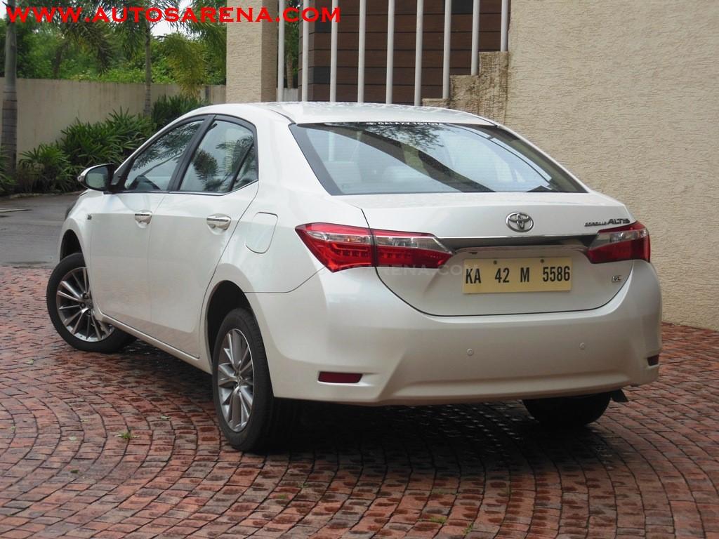 Toyota Corolla Altis (10)
