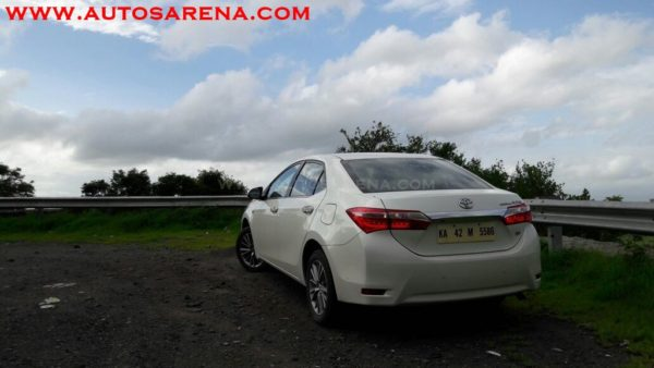 Toyota Corolla Altis (12)