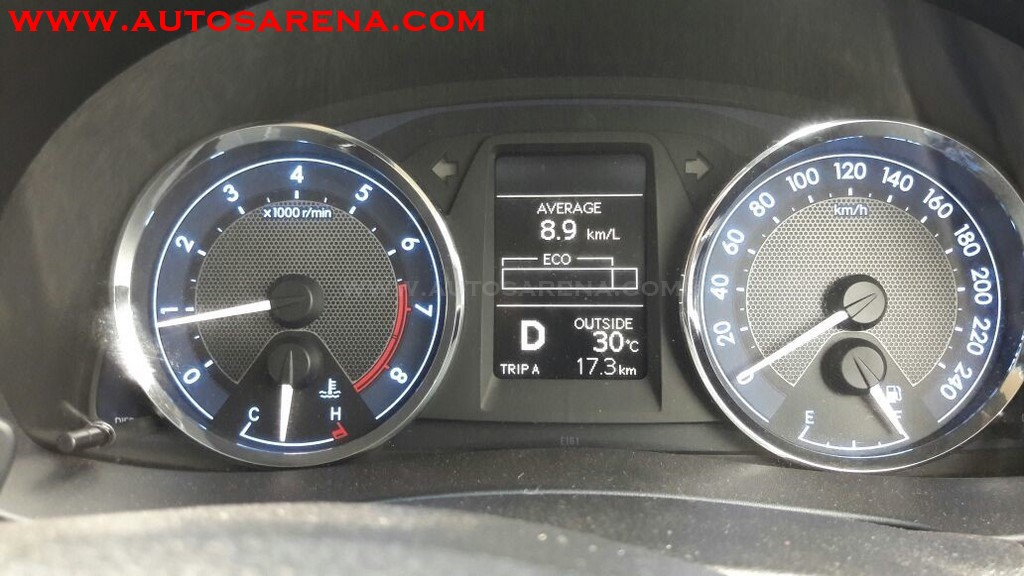 Toyota Corolla Altis (15)