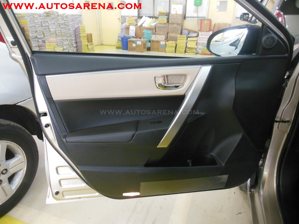 Toyota Corolla Altis (3)