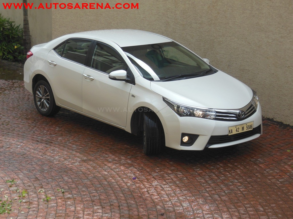 Toyota Corolla Altis (8)