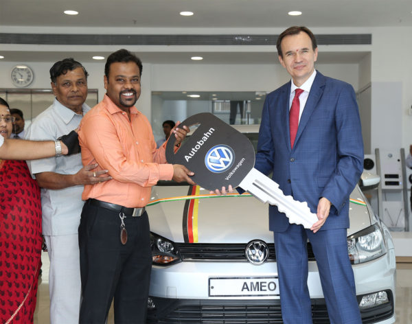 Volkswagen inaugurates showroom in in Nerul, Navi Mumbai 2