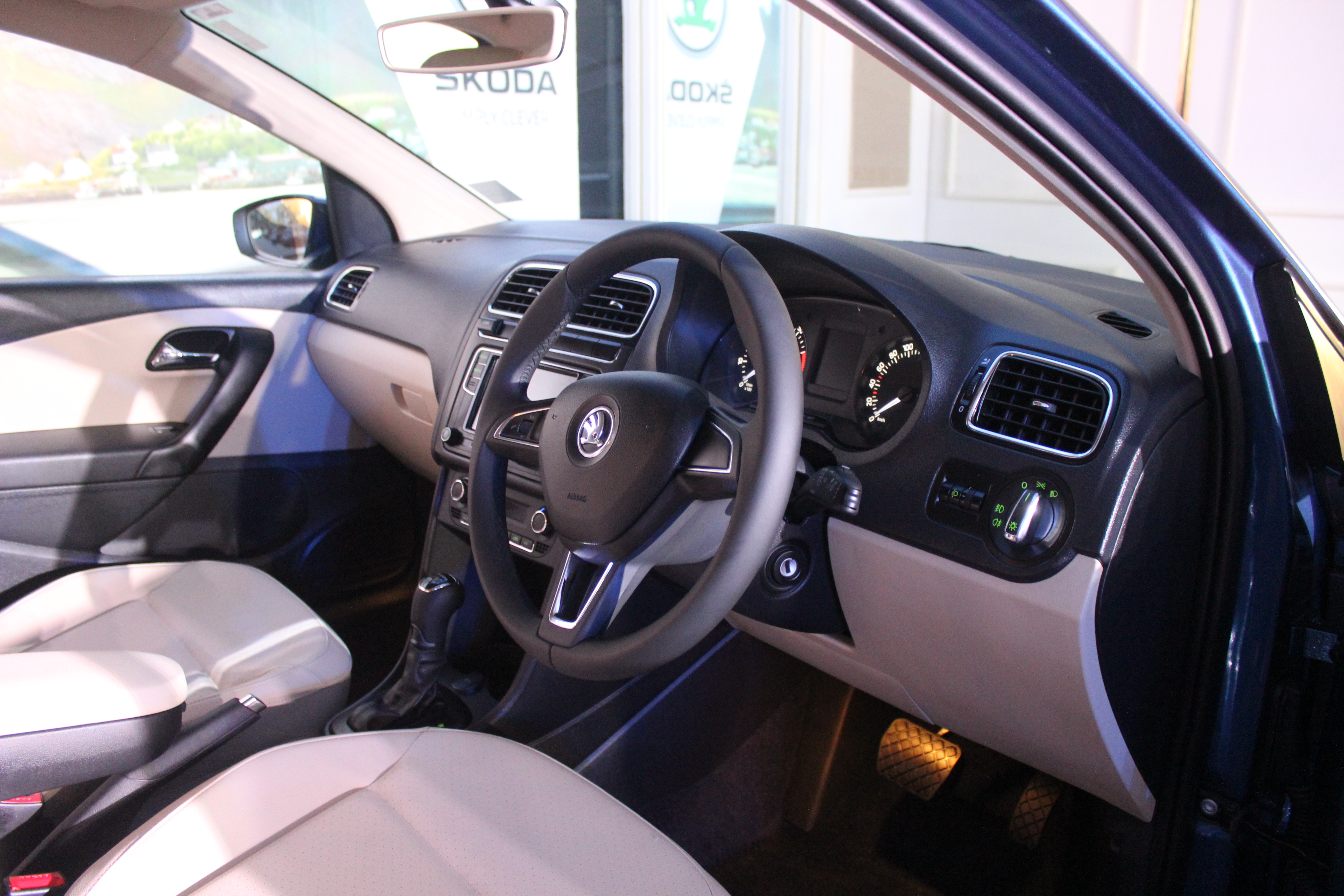 Skoda Rapid Facelift Interiors 14