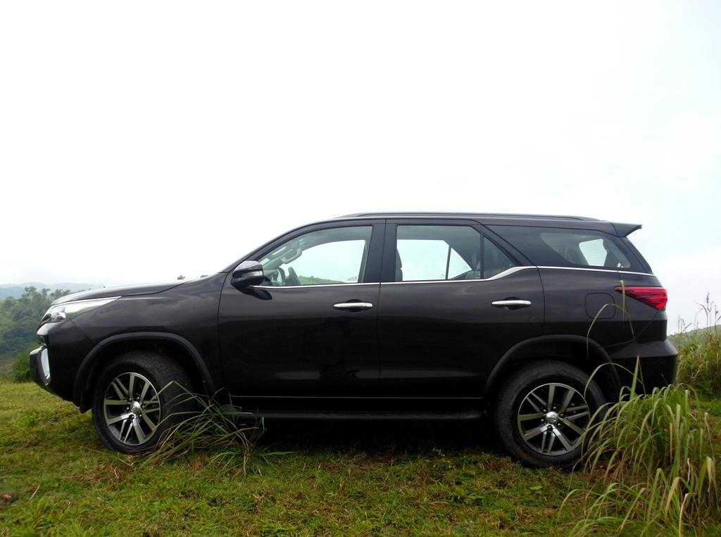 Toyota Fortuner (39)